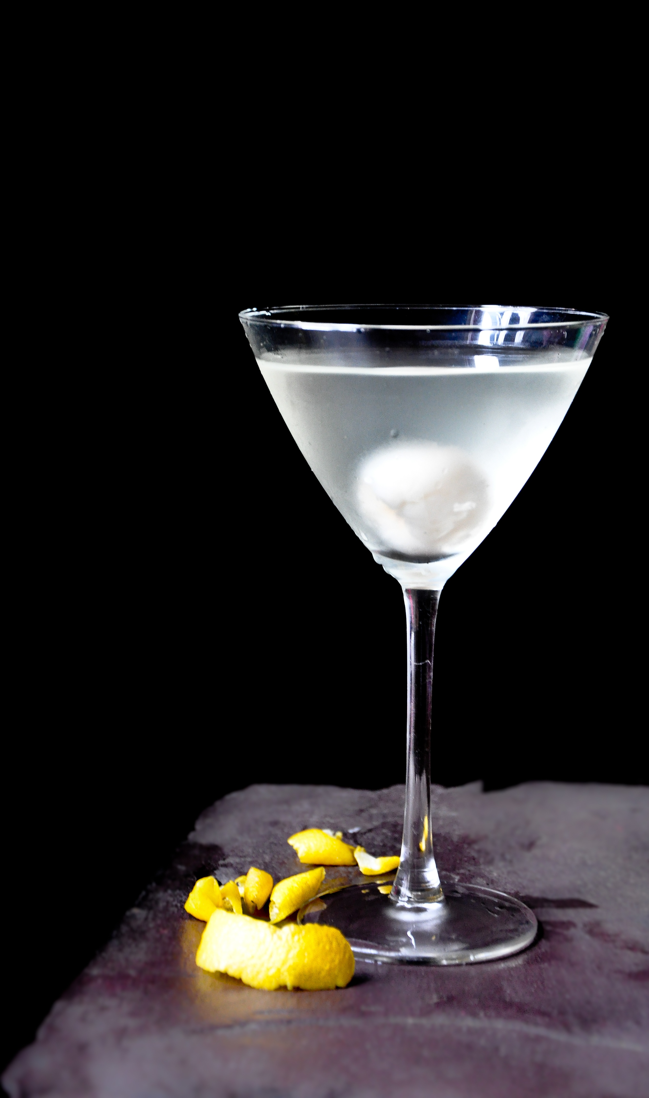 Lychee Limoncello Martini for World Gin Day!